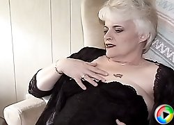 Blonde granny gets her old pussy licked and fingered yet again and moans of pleasure